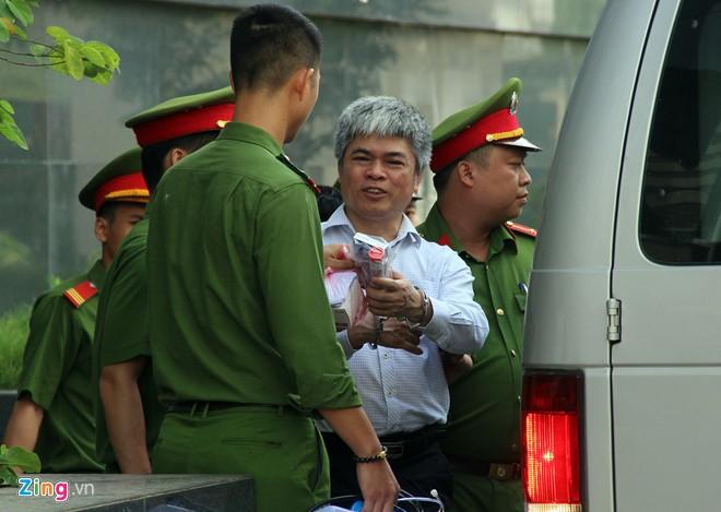 Phiên xử phúc thẩm Đinh La Thăng bất ngờ dừng sớm ảnh 2