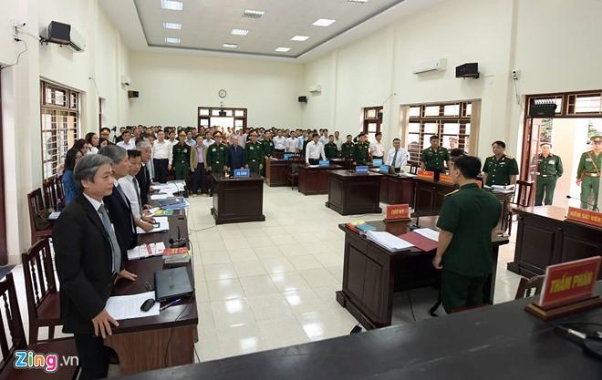 Út 'trọc' hầu tòa phúc thẩm, xin giảm án 12 năm tù ảnh 1
