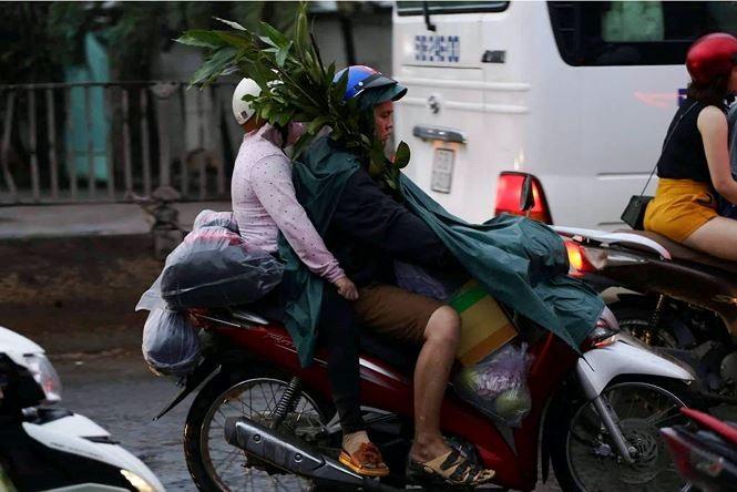 Chùm ảnh: Người dân mệt mỏi trở về Hà Nội và TP HCM sau kỳ nghỉ lễ Quốc khánh ảnh 9