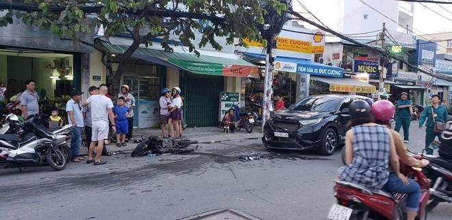 Ô tô 'điên' gây tai nạn liên hoàn khiến 3 người nhập viện ảnh 1