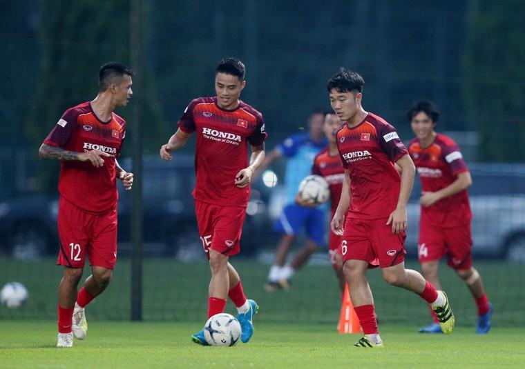 HLV Park Hang-seo dồn tâm sức cho VL World Cup 2022, chia sẻ về nhân sự ĐT Việt Nam ảnh 3