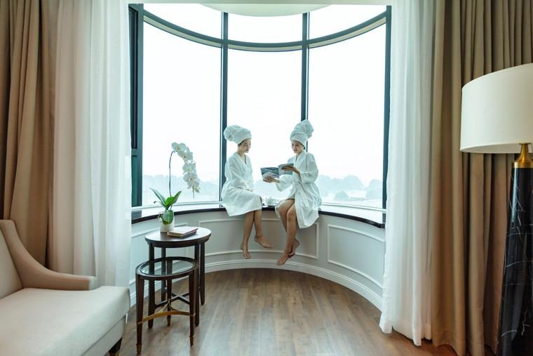 Mùa lễ hội 2019, check-in ô cửa sổ khổng lồ cực ảo tại khách sạn view cao nhất Hạ Long ảnh 2