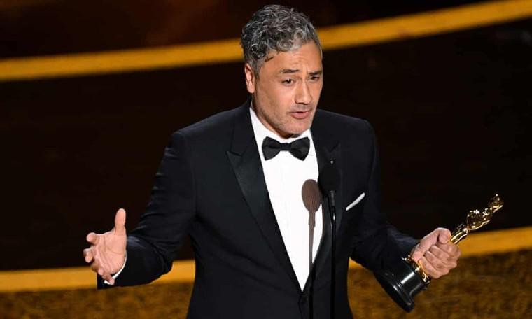 Oscar 92: Brad Pitt giành giải 'Nam phụ xuất sắc nhất' ảnh 3