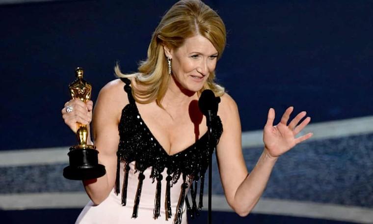 Oscar 92: Brad Pitt giành giải 'Nam phụ xuất sắc nhất' ảnh 1