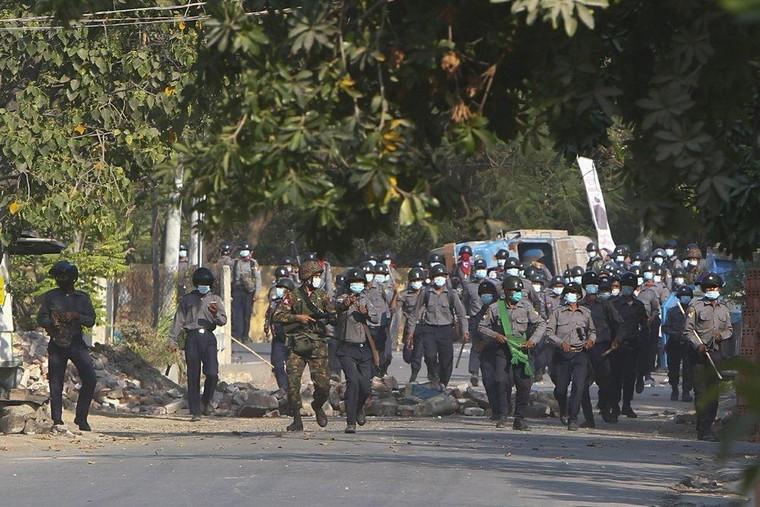 Myanmar trải qua ngày đẫm máu nhất ảnh 1