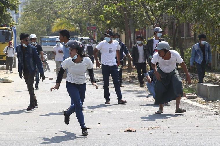 Myanmar trải qua ngày đẫm máu nhất ảnh 2