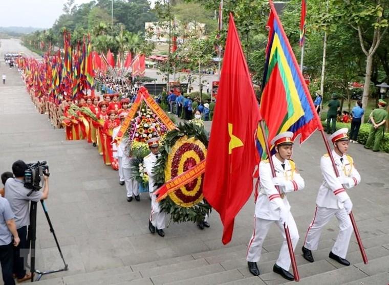 Chủ tịch nước Nguyễn Xuân Phúc dâng hương tại Lễ Giỗ Tổ Hùng Vương ảnh 1