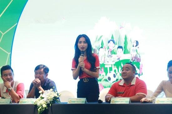 Hòa Minzy bị 'ném đá' vì phát ngôn gây sốc trong một sự kiện dành cho trẻ em ảnh 1