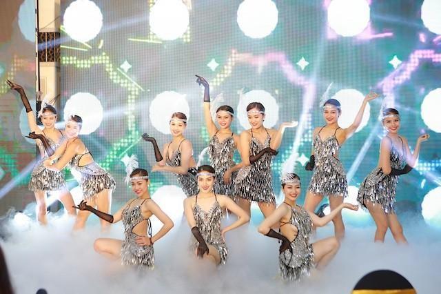 Sau Sầm Sơn, dân tình rần rần chuẩn bị 'quẩy' cùng lễ hội hoa, đêm nhạc cực đỉnh ở Hạ Long ảnh 3