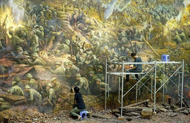 Cận cảnh bức tranh khổng lồ tái hiện chiến thắng Điện Biên Phủ ảnh 6