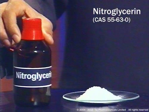 Khi nào thì Alfred Nobel tập trung phát triển chất nổ nitroglycerine?