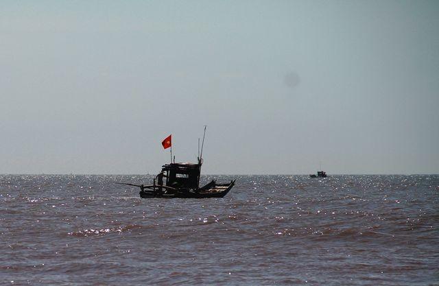 Bố trí tàu, ôtô và huy động hàng trăm chiến sĩ sẵn sàng ứng phó bão số 3 ảnh 11