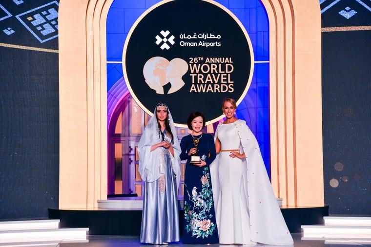 Vinpearl Luxury Landmark 81 là 'khách sạn hướng sông hàng đầu thế giới' 2019 ảnh 1