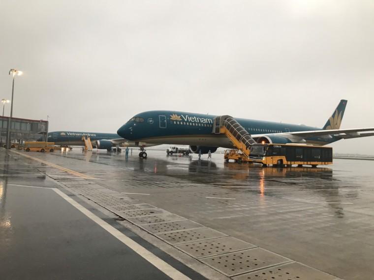 Sân bay Vân Đồn đón 158 người Việt từ châu Âu về nước ảnh 1