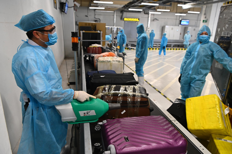 Đón chuyến bay từ vùng dịch: Sân bay Vân Đồn áp dụng quy trình mới ảnh 6