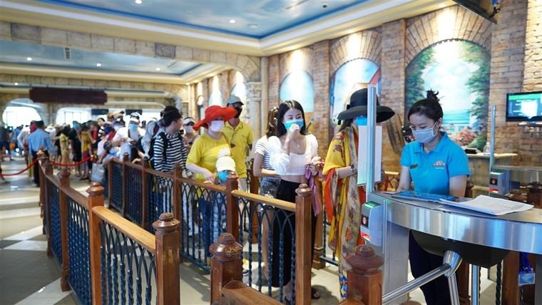 Việt Nam sẽ là một trong những điểm đến đầu tiên hút khách quay lại sau dịch ảnh 4