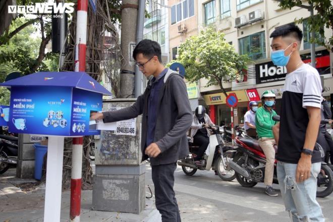 Cây 'ATM khẩu trang' miễn phí giúp người Hà Nội chống COVID-19 ảnh 10