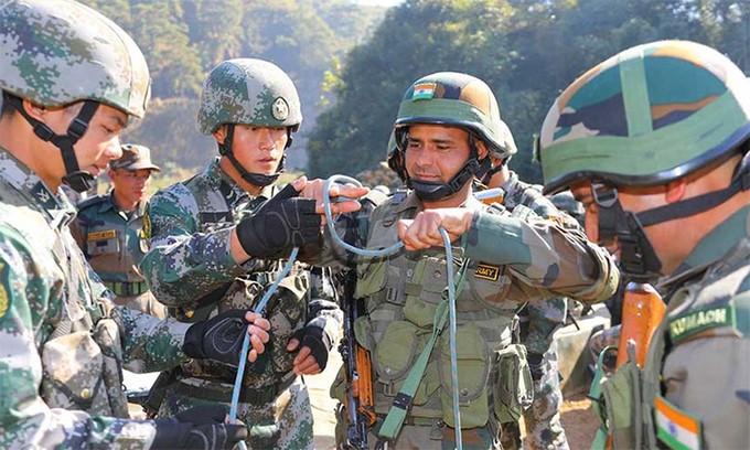Ấn - Trung đồng ý ngừng đưa thêm quân đến biên giới ảnh 1