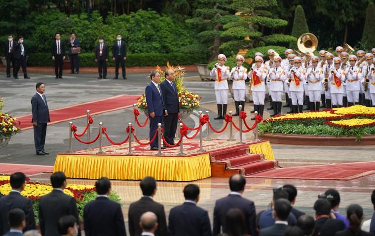 Lễ đón chính thức thủ tướng Nhật Bản thăm chính thức Việt Nam ảnh 1