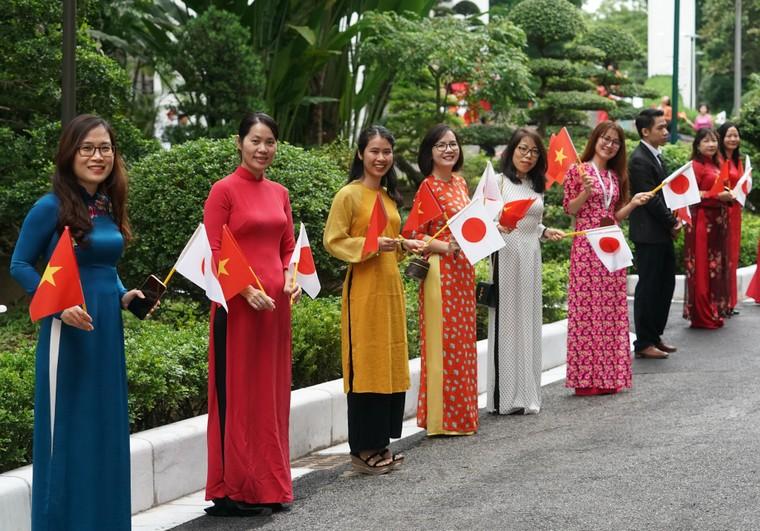 Lễ đón chính thức thủ tướng Nhật Bản thăm chính thức Việt Nam ảnh 7