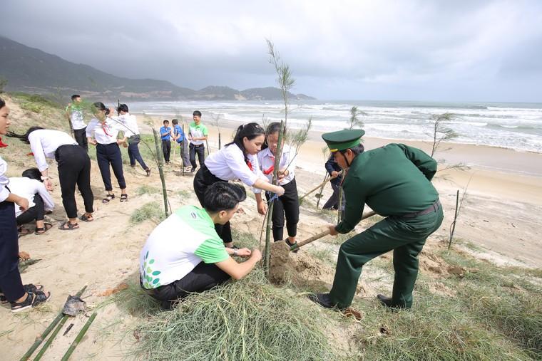 Mạng xã hội bỗng chốc 'xanh rì' với chiến dịch 'Triệu cây vươn cao cho Việt Nam xanh' ảnh 5