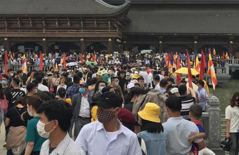 Sở Văn hóa Hà Nam làm việc với chùa Tam Chúc sau vụ khách đổ về quá tải ảnh 1