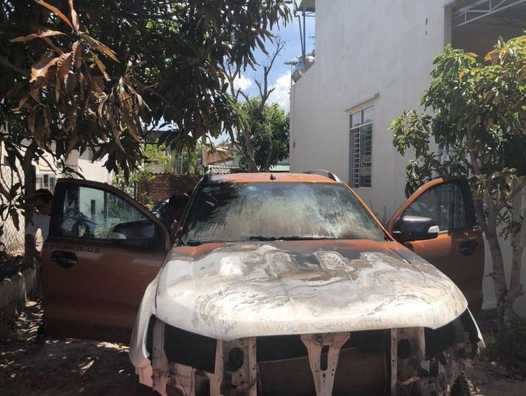 Xe Ford Ranger cháy, bảo hiểm từ chối bồi thường, chủ xe 'kêu cứu', Ford Việt Nam sẽ kiện khách hàng? ảnh 1