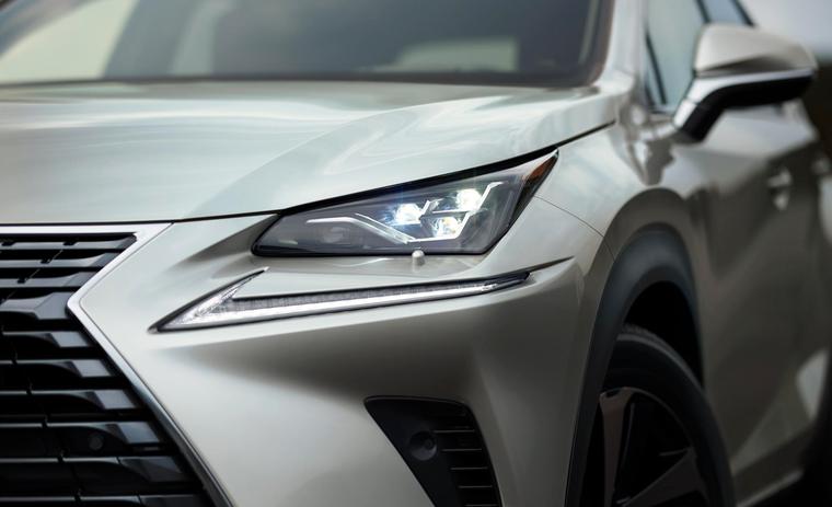 Lexus NX 300 2020 có giá 2.560 triệu đồng tại Việt Nam ảnh 2