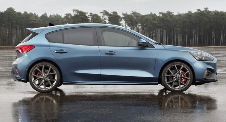 Ford sẽ ngừng phát triển Focus RS mới ảnh 1