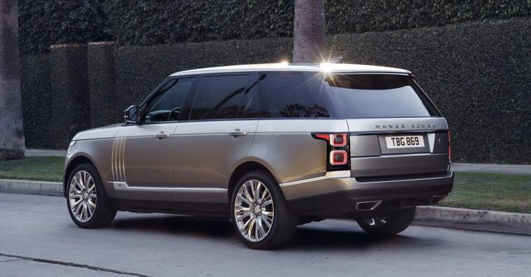 Đâu là cái tên hàng đầu trong những chiếc SUV siêu sang cỡ lớn? ảnh 14