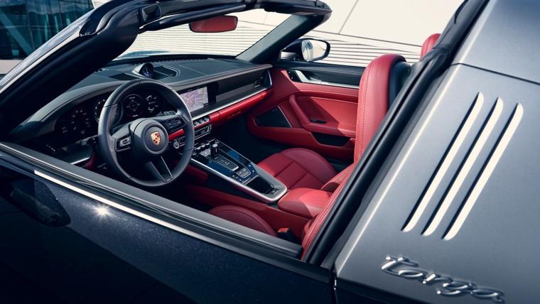 Porsche 911 Targa 4 và Targa 4S 2021 với dáng vẻ hoài cổ ảnh 4