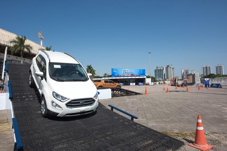 Ford SUV Drive 2020 - trải nghiệm off-road khác biệt trên địa hình mô phỏng thực tế ảnh 1