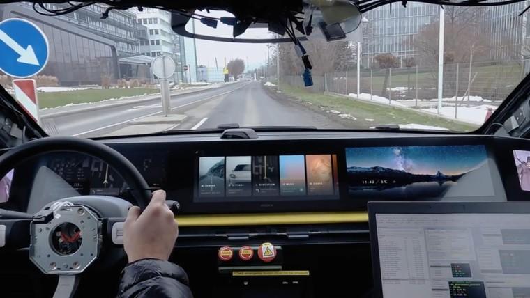 Xe điện Vision-S của Sony chạy thử nghiệm trên đường thực tế ảnh 1