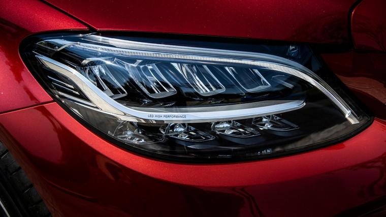 Mercedes-Benz Việt Nam giới thiệu phiên bản C 180 AMG, bản sao của C 300 AMG ảnh 4