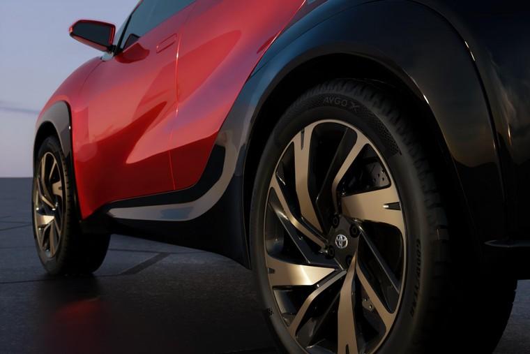 Toyota lộ diện mẫu Crossover cỡ nhỏ mới với thiết kế lạ mắt ảnh 8