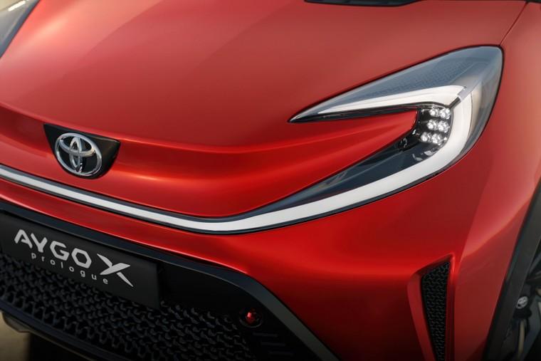 Toyota lộ diện mẫu Crossover cỡ nhỏ mới với thiết kế lạ mắt ảnh 4