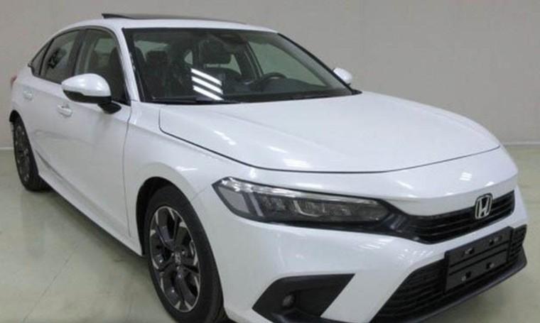 Honda Civic 2022 bị bắt gặp lăn bánh trước ngày ra mắt ảnh 1