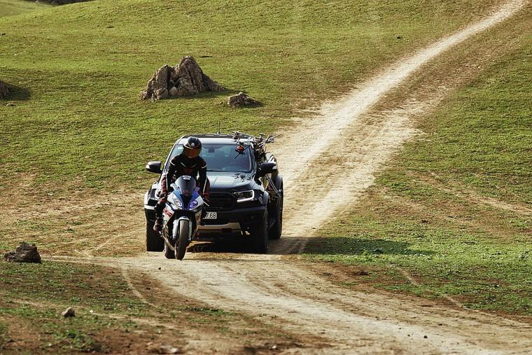 Vì Sao Ford Ranger Raptor Có Thể Thỏa Sức Chinh Phục Mọi Địa Hình? ảnh 2
