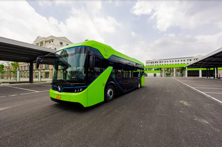 VinBus chính thức vận hành xe buýt điện thông minh đầu tiên tại Việt Nam ảnh 1