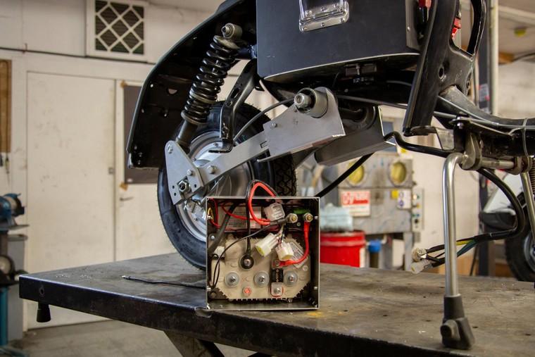 """Retrospective Scooters giới thiệu bộ """"kits"""" điện dành cho những chiếc Vespa và Lambrettas ảnh 5"""
