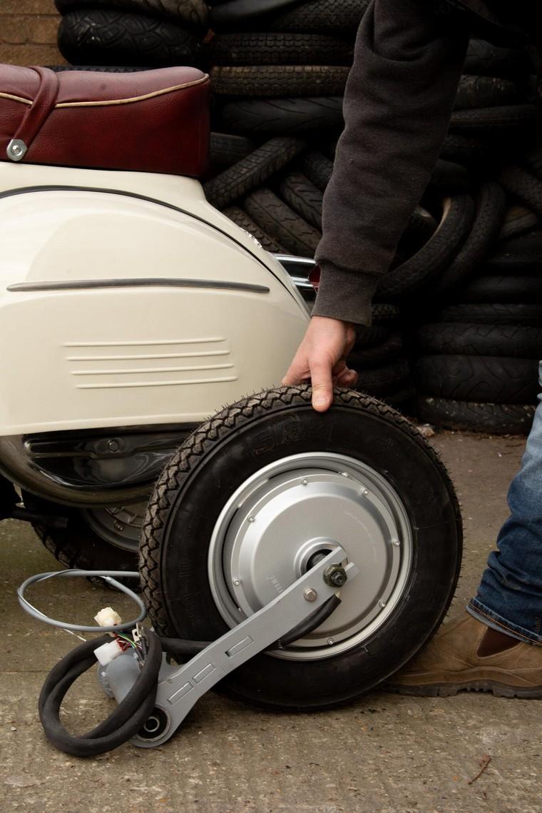 """Retrospective Scooters giới thiệu bộ """"kits"""" điện dành cho những chiếc Vespa và Lambrettas ảnh 3"""