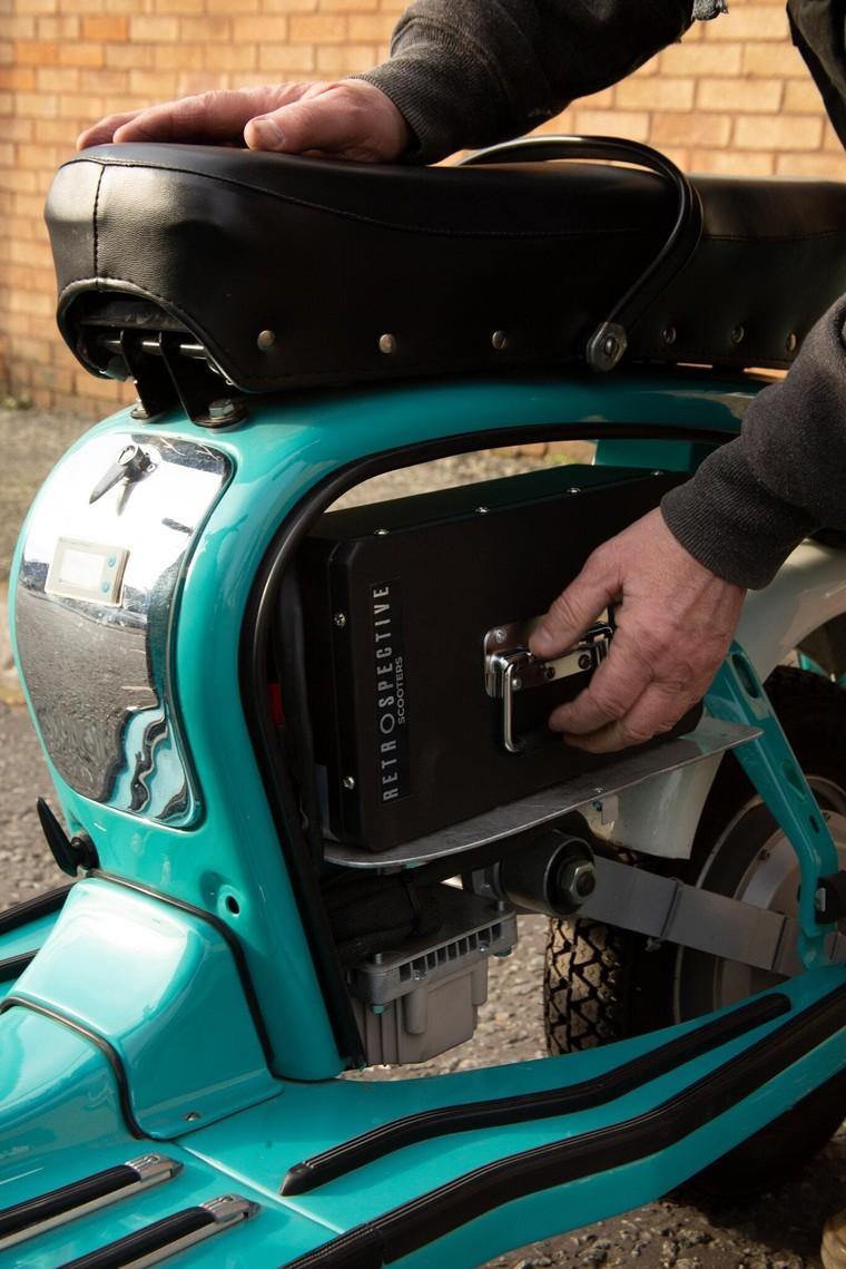 """Retrospective Scooters giới thiệu bộ """"kits"""" điện dành cho những chiếc Vespa và Lambrettas ảnh 4"""