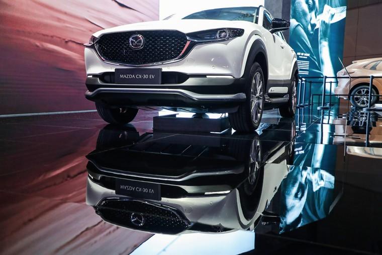 Vừa ra mắt tại Việt Nam, Mazda CX-30 đã có phiên bản chạy điện xuất hiện tại Trung Quốc ảnh 1