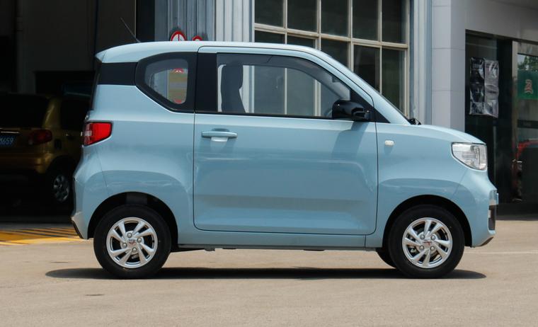 Wuling Hongguang Mini EV, chiếc xe điện bán chạy nhất trên thế giới, ra mắt bản mui trần ảnh 4