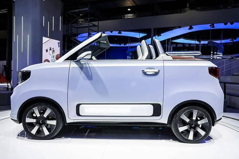 Wuling Hongguang Mini EV, chiếc xe điện bán chạy nhất trên thế giới, ra mắt bản mui trần ảnh 3