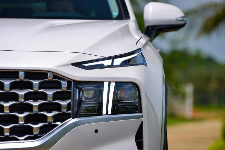 Hyundai Santa Fe 2021 chính thức ra mắt, 6 phiên bản, giá từ 1,03 tỷ ảnh 4