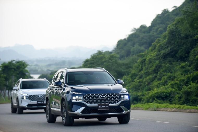 Hyundai Santa Fe 2021 chính thức ra mắt, 6 phiên bản, giá từ 1,03 tỷ ảnh 2