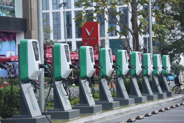 'VinFast gánh mọi rủi ro về pin để ô tô điện tiếp cận được số đông người dùng' ảnh 6