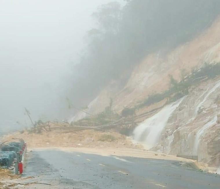Chỉ còn 2 tỉnh miền Trung chưa bị sạt lở trong đợt mưa bão năm nay ảnh 4