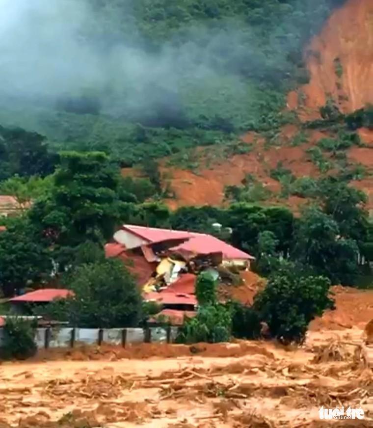 Chỉ còn 2 tỉnh miền Trung chưa bị sạt lở trong đợt mưa bão năm nay ảnh 2